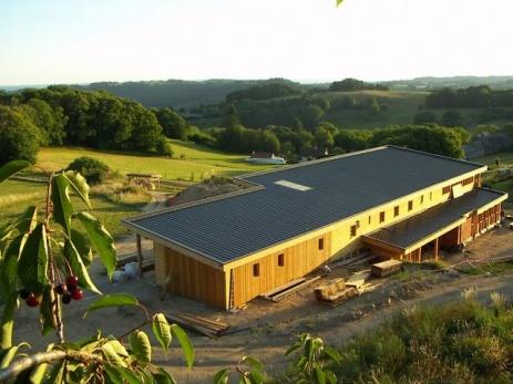 CONSTRUCTION D'UN CENTRE AGRO-ÉCOLOGIQUE ET CULTUREL À CORNIL